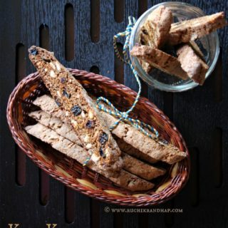 Kaju Kishmish Biscotti (Spiced Cashewnut and Raisin Biscotti)