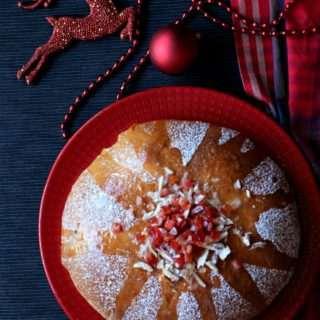 Julekake / Julekaga ~ Norwegian Cardamom Scented Christmas Bread