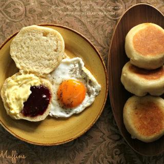 English Muffins ~ No Bake, Skillet Bread #Breadbakers